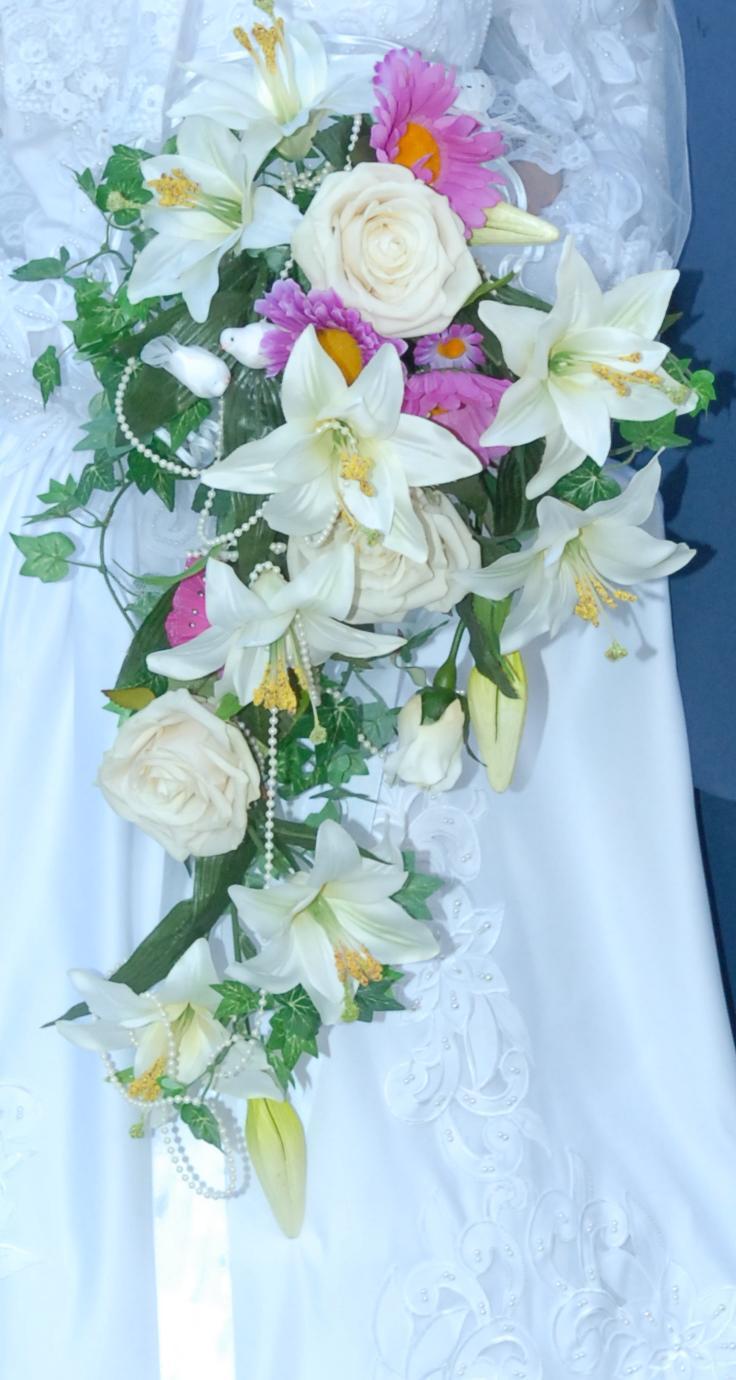 V tements et accessoires pour la mari e - Vente a terme avec bouquet ...